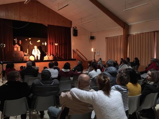 CONTES DE NOEL  A GUIPAVAS 16-12-2018