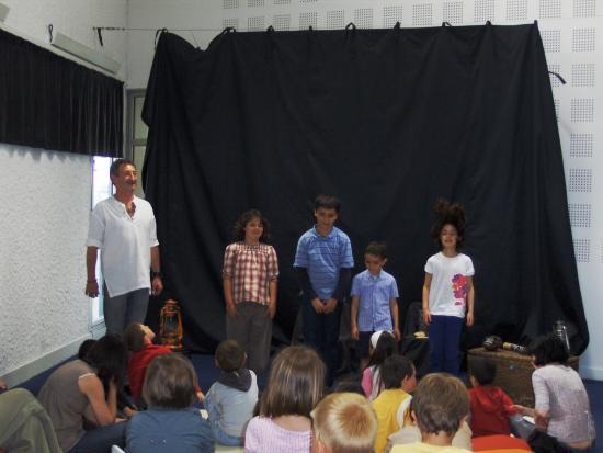 LES ENFANTS CONTEURS (mai 2010)