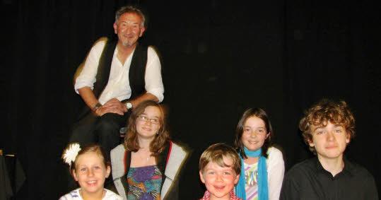 spectacle de fin d'année avec les enfants de l'atelier conte(juin 2011)