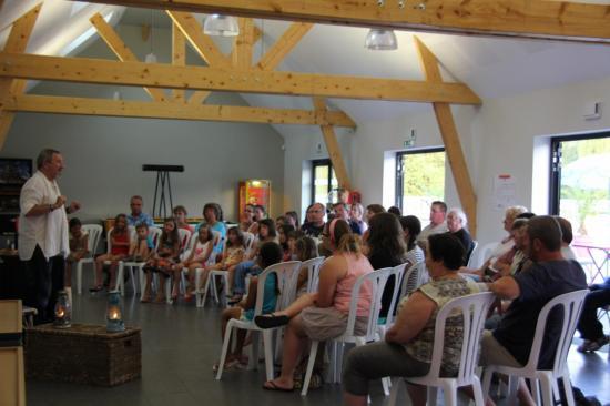 Contes au camping à L'Armor Baden juillet 2014