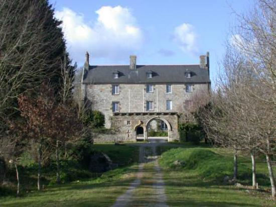 LE MANOIR DE LOSSULIEN