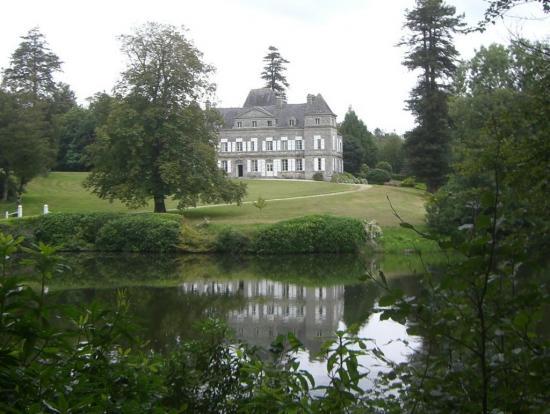 chateau-de-troanec.jpg